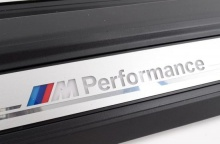 Светодиодные M Performance накладки порогов для BMW F32/M4 F82