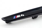 Черные глянцевые вставки в передние крылья BMW M4 F82