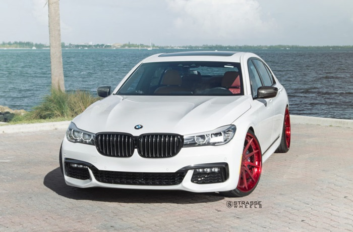 BMW G11 740i Alpine White
